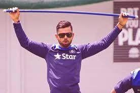 12,000 एकदिवसीय धावा बनवणारा वेगवान क्रिकेटपटू म्हणून सचिनच्या विक्रमाचा विराट कोहलीने पराभव केला